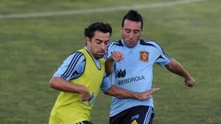 Cazorla y Xavi en un entrenamiento de la selección de 2012.