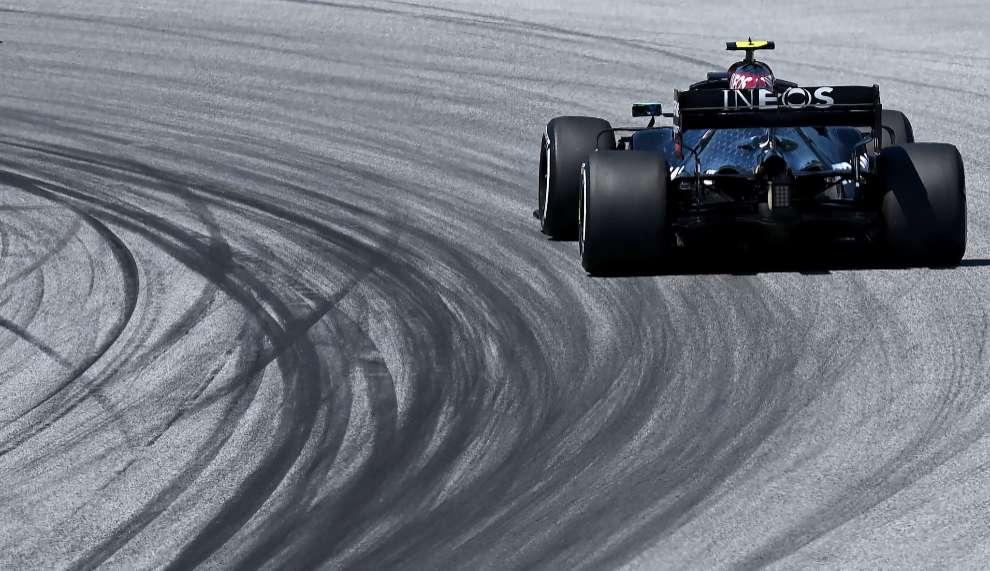 Lewis Hamilton gana en Austria y Sergio Pérez finaliza sexto