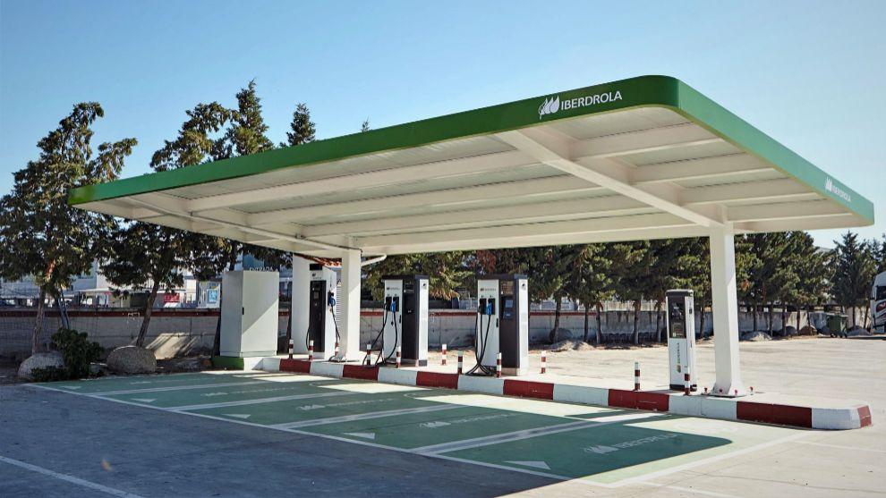 Madrid-Cádiz en coche eléctrico por 15 ¤ en el 'corredor' de carga rápida de Iberdrola