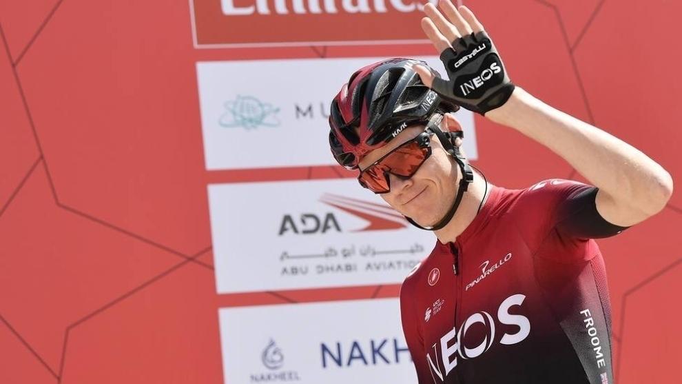 Froome en el podio del Tour de los Emiratos