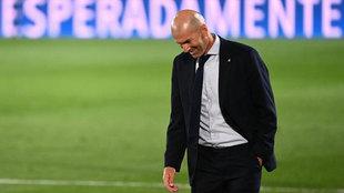 Zidane, durante el partido ante el Alavés.