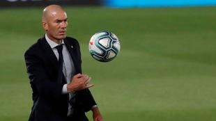 Zinedine Zidane alabó lo hecho hasta hora por su equipo y Courtois.