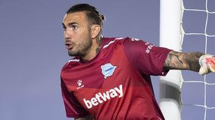 Roberto Jiménez, durante el partido en el Alfredo Di Stéfano