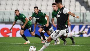 Cristiano, lanzando su primer penalti.