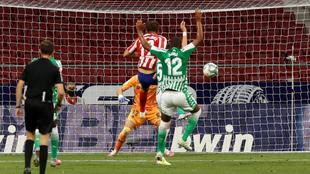 Diego Costa logra el gol de la victoria ante el Betis.