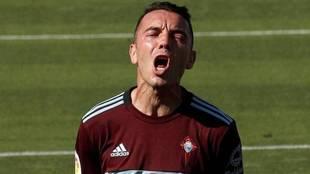 Iago Aspas se lamenta en el partido disputado contra Osasuna en El...