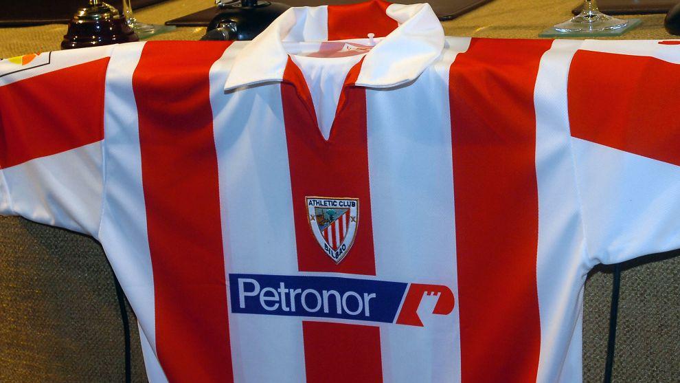 Petronor, fue el primer patrocinador privado
