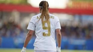 Kosovare Asllani durante un partido con el CD Tacon la temporada...