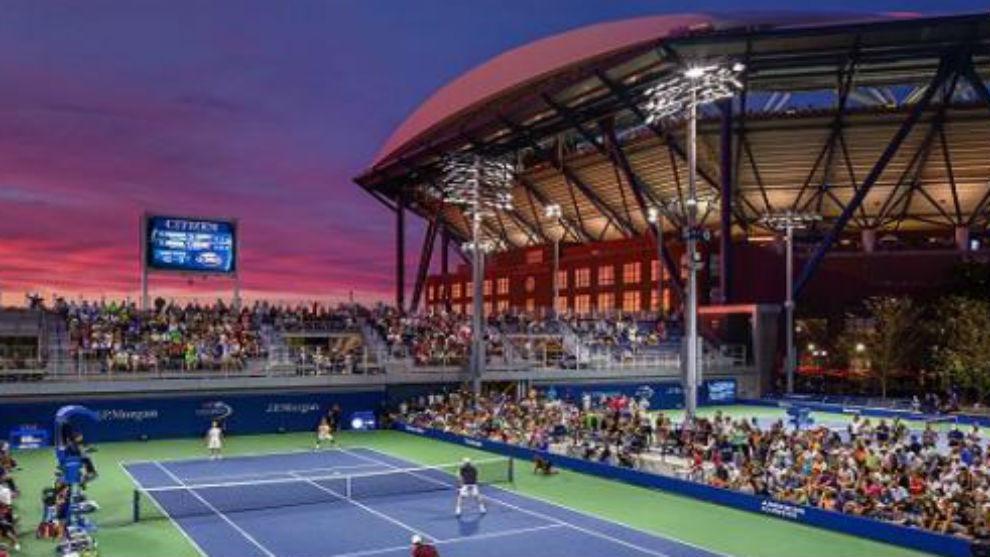 Una vista de las pistas exteriores del Billie Jean King Tennis Center...