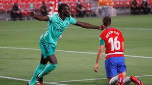 Mendy marcó su primer gol con el Real Madrid ante el Granada