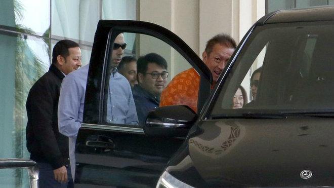 Anil Murthy, junto a Peter Lim, en una de las últimas visitas del...