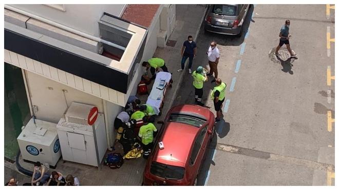 Una explosión en una gasolinera en Cartagena genera dos heridos.