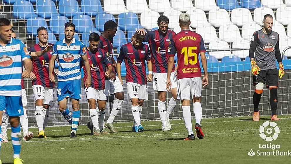 Airam Cabrera, con el dorsal 11, en la celebración de uno de los...