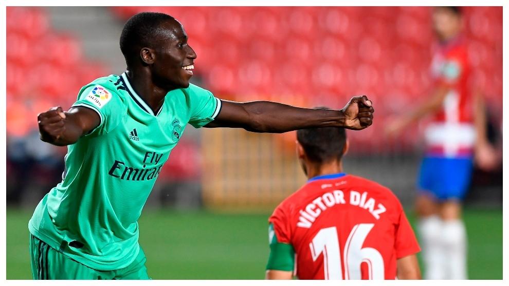 Mendy celebra su gol ante el Granada.