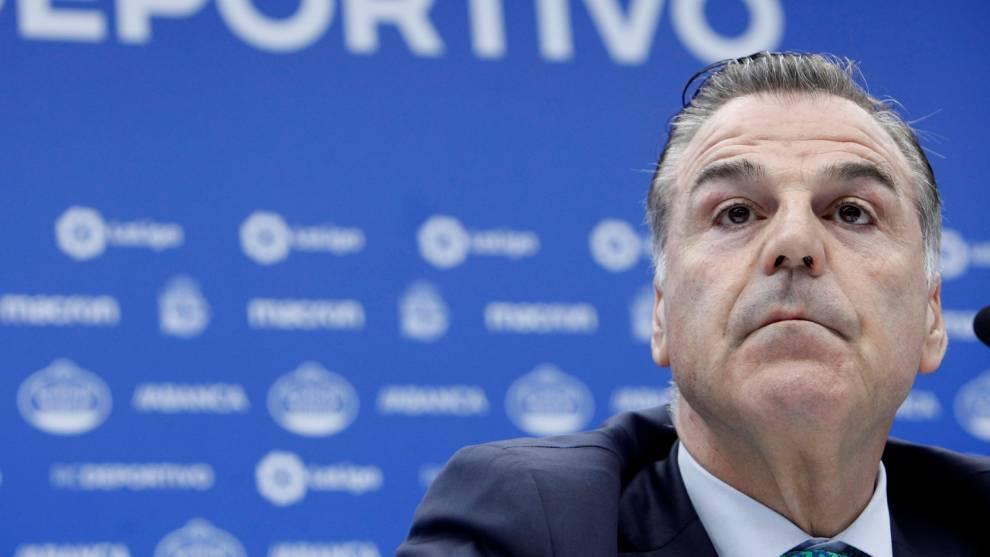 Fernando Vidal, presidente del Depor, compareciendo en rueda de prensa