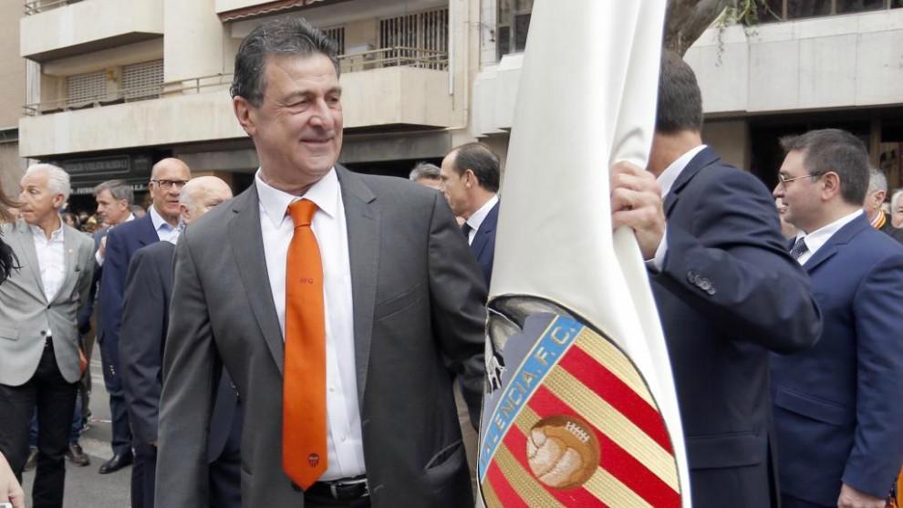 """Mensaje de Kempes a Peter Lim: """"Vende el club y deja el Valencia como..."""