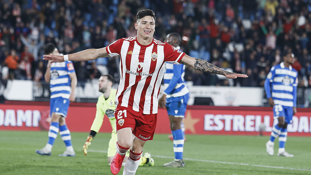 Darwin Núñez celebra su gol ante el Deportivo
