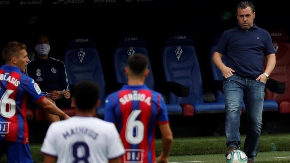 Sergio González, en un momento del partido Eibar - Valladolid.