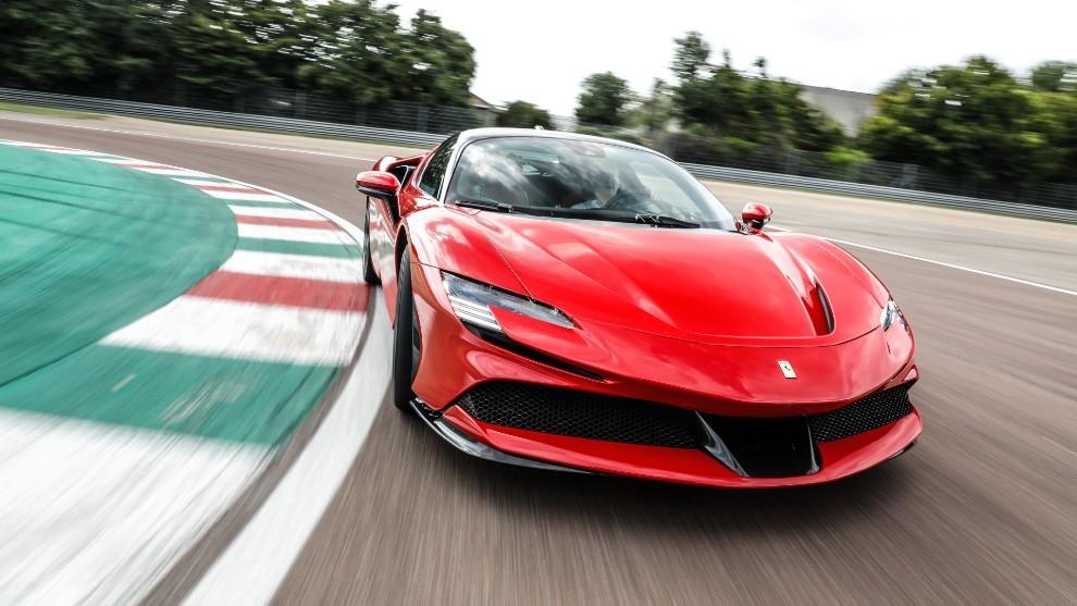 Prueba del Ferrari SF90 Stradale: 1.000 caballos para soñar despiertos