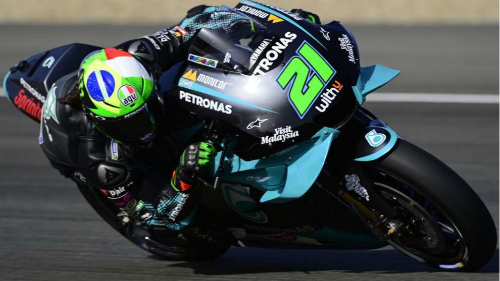 MotoGP - GP España 2020: Morbidelli manda, los Márquez se caen y Rossi, muy  atrás | Marca.com