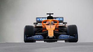Carlos Sainz, en una de sus vueltas bajo la lluvia en los Libres 2 del...