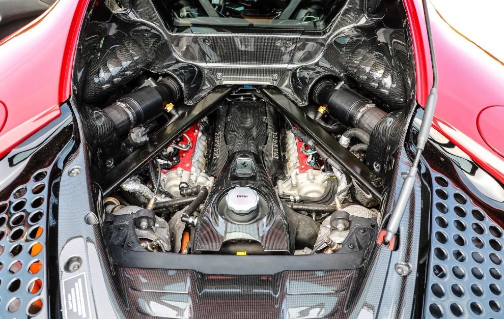 Prueba Ferrari SF90 Stradale