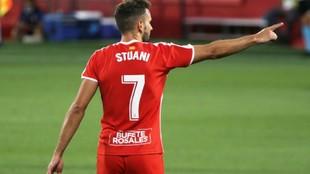 Stuani celebra uno de los goles que marcó al Cádiz