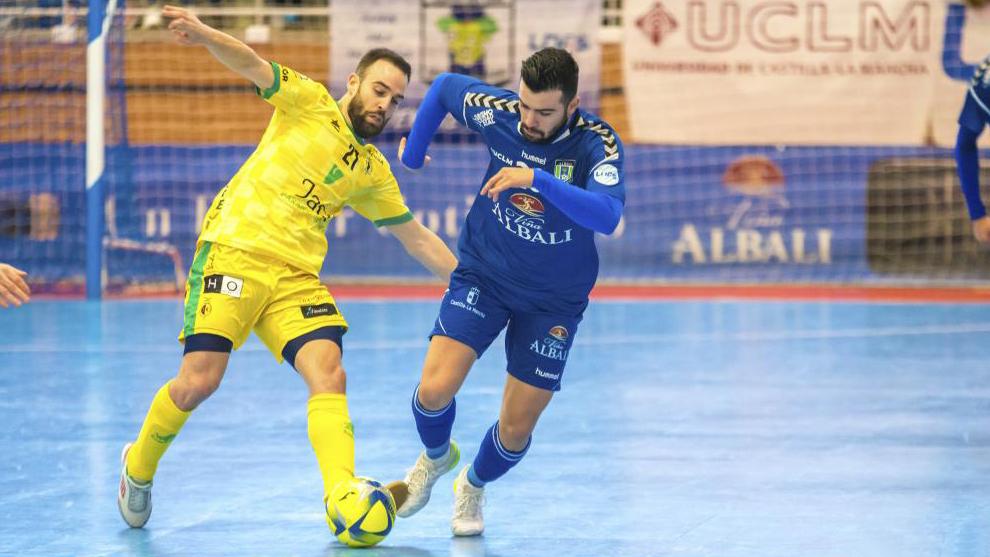 Chino y Míchel durante un partido