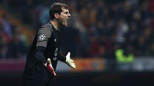 Casillas, en un partido de Champions contra el Galatasaray.