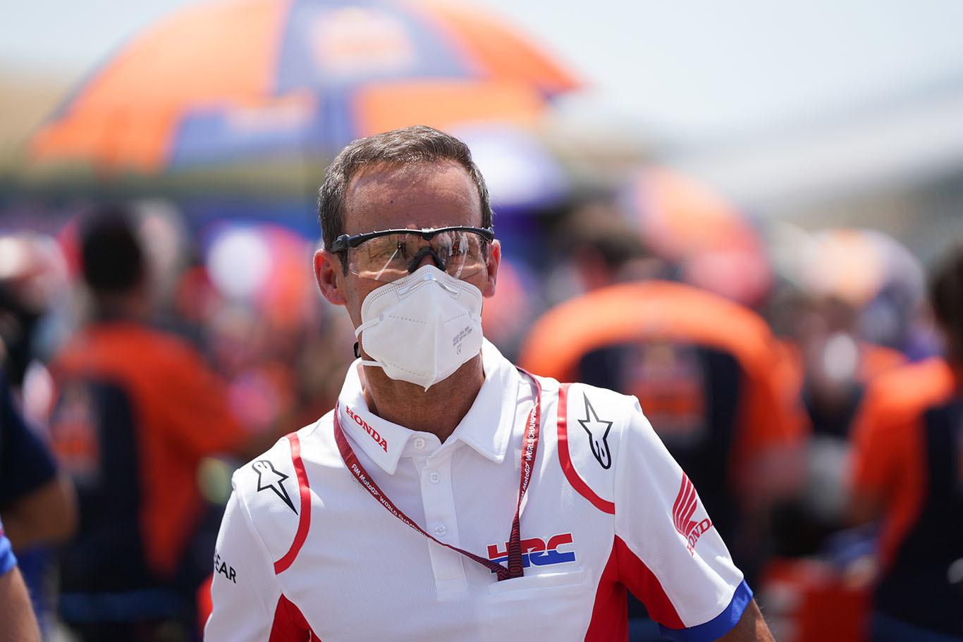 Alberto Puig, en el 'paddock' del circuito de Jerez el pasado domingo.