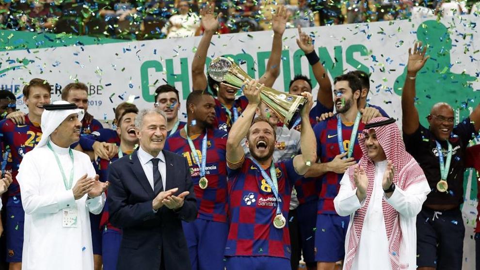Los jugadores del Barça celebran la Super Globe conquistada en 2019 /