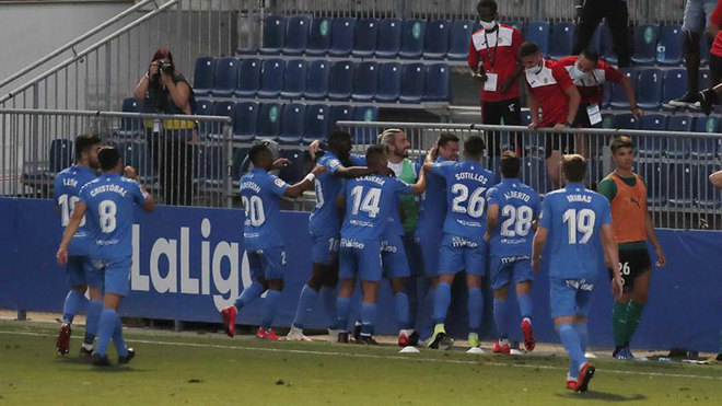 Twelve COVID-19 positives at Fuenlabrada sees Deportivo clash postponed