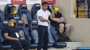 Calleja en banquillo durante el partido contra el Eibar del pasado...