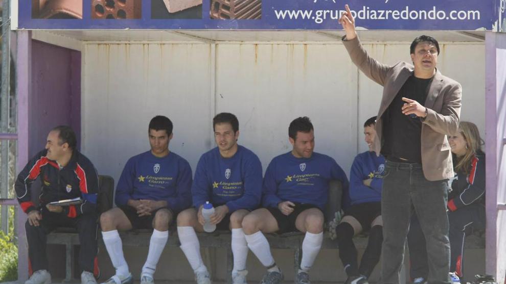 Hace una década el 'Mono' Burgos entrenó al Real Carabanchel en...