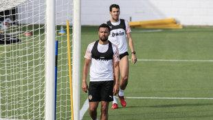 Coquelin y Parejo en una sesión con el Valencia.