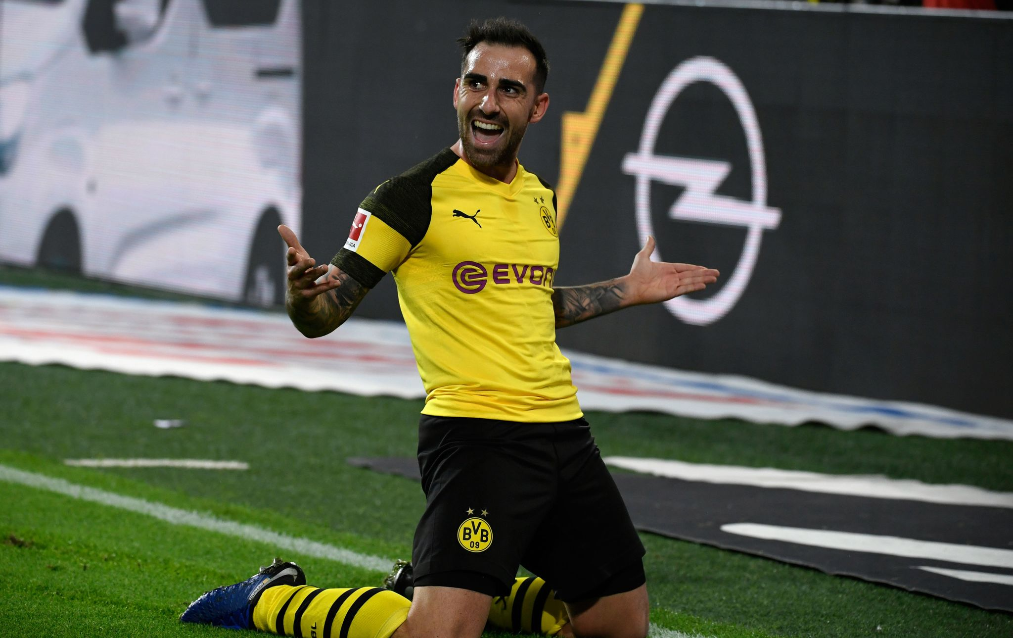 Dortmunds Spanish forward lt;HIT gt;Paco lt;/HIT gt; lt;HIT gt;Alcacer lt;/HIT gt; celebrate after scoring the 3-2 goal during the German first division Bundesliga football match BVB Borussia Dortmund v FC Bayern Munich in Dortmund, western Germany, on November 10, 2018. (Photo by Ina Fassbender / dpa / AFP) / Germany OUT / DFL REGULATIONS PROHIBIT ANY USE OF PHOTOGRAPHS AS IMAGE SEQUENCES AND/OR QUASI-VIDEO