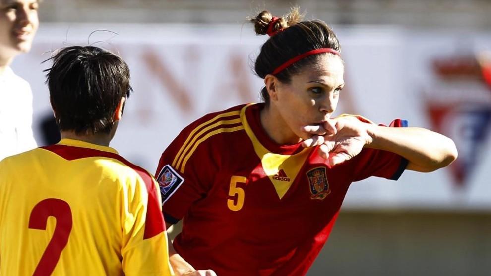 Ruth García celebra un gol con España ante Rumanía en Aranjuez.