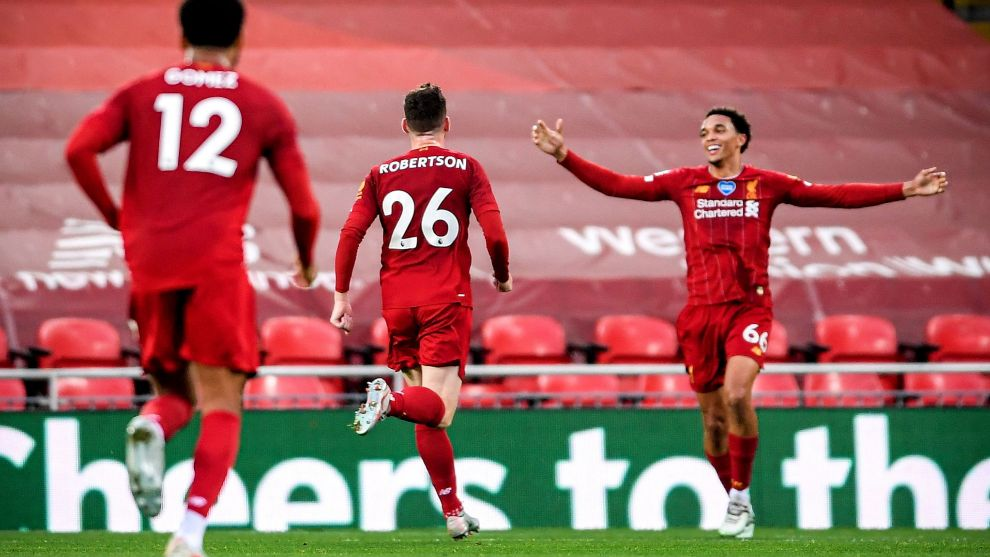 Fiestón del Liverpool en Anfield: levanta su Premier y se lleva un espectacular partido