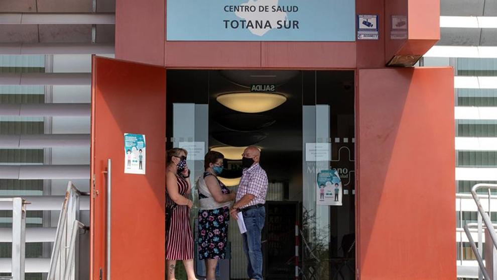 Totana (Murcia) vuelve a la Fase 1 por un brote de 55 personas en un...