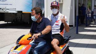 Los médicos autorizan a Márquez para correr el domingo