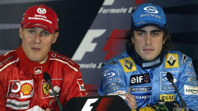 Michael Schumacher y Fernando Alonso, en una rueda de prensa de 2005.