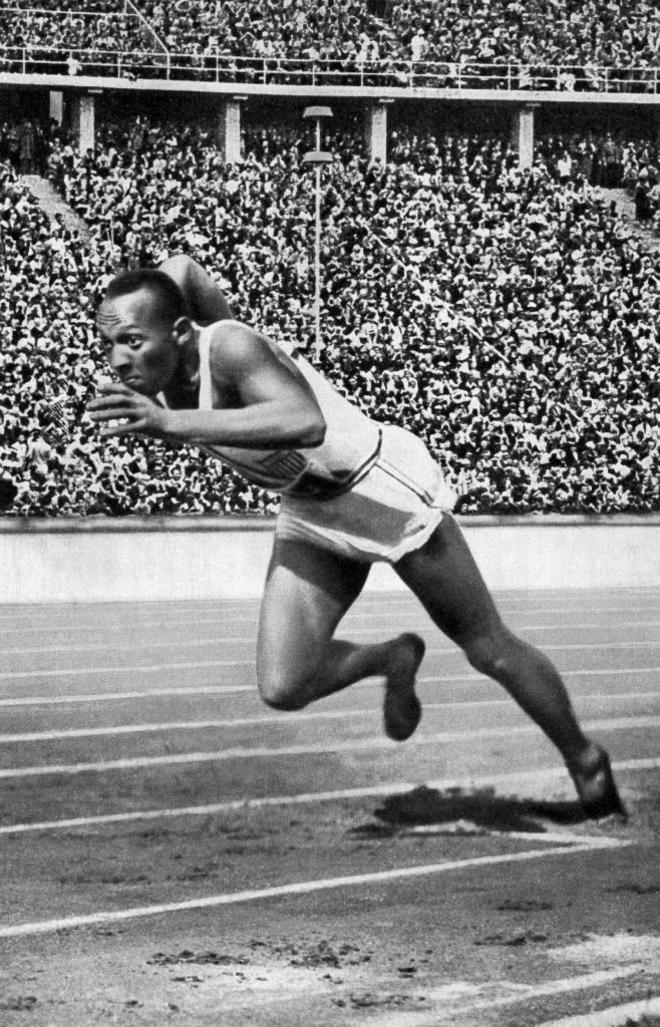 Jesse Owens, en los Juegos Olímpicos de Berlín 1936.