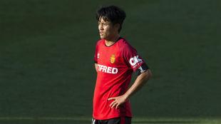 El jugador japonés Take Kubo (19).