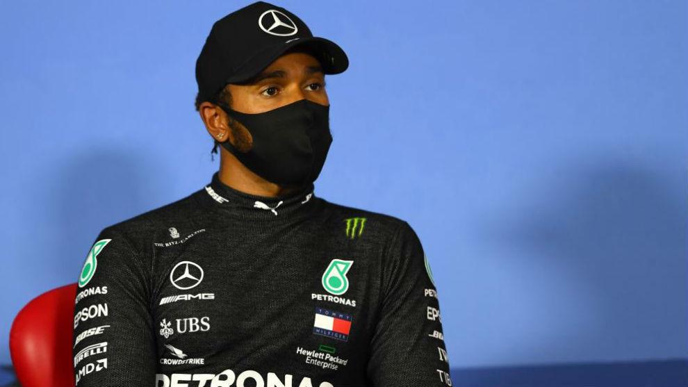 Lewis Hamilton en rueda de prensa.
