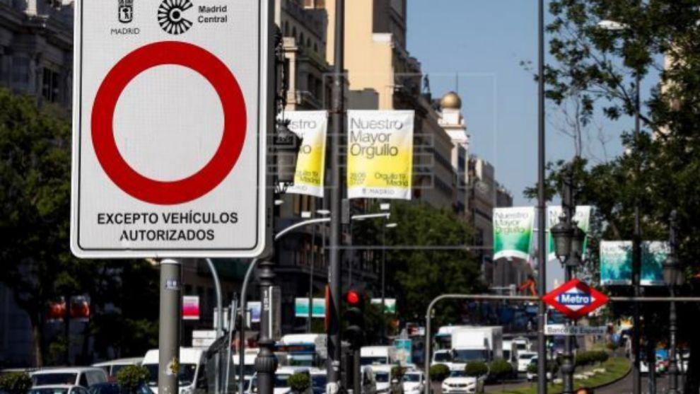 Señal que indica la entrada a zona restringida en Madrid Central