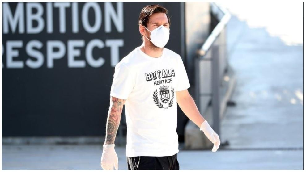 Messi, llegando a las instalaciones de entrenamiento del Barcelona.