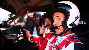 El madridista Eden Hazard, en el Jarama con un Nissan Leaf Nismo RC.