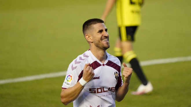 Ojeda celebra un gol con el Albacete
