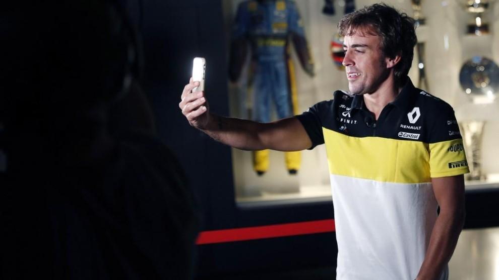 Fernando Alonso, durante su presentación como piloto Renault este mes...
