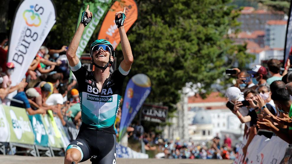 Felix Grossschartner celebrando su victoria en Burgos